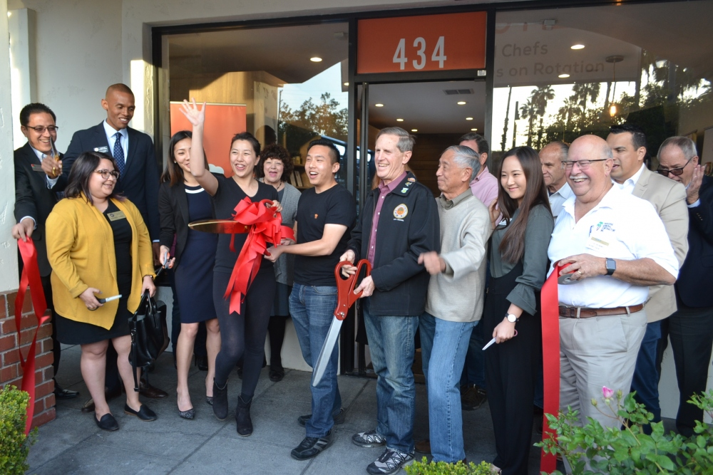 south-pasadena-news-03-11-18-chef-box-holds-ribbon-cutting-21